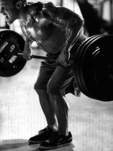 高重量の背中のトレーニング