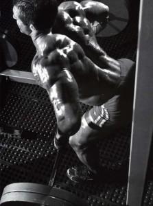 重い重量の背中のトレーニング