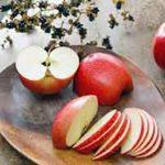 朝食のりんご