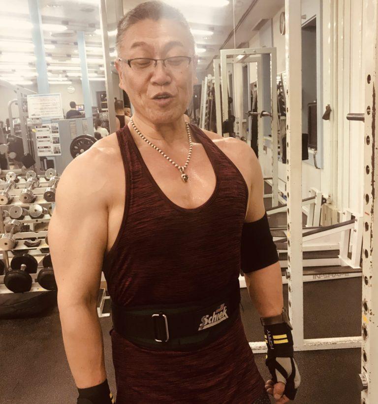 筆者(吉村良二)63歳の近況のトレーニング中の写真
