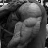 上腕三頭筋を発達させるために100レップのトレーニングでいじめちゃえ!
